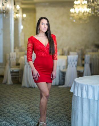 rochie de seară din dantelă